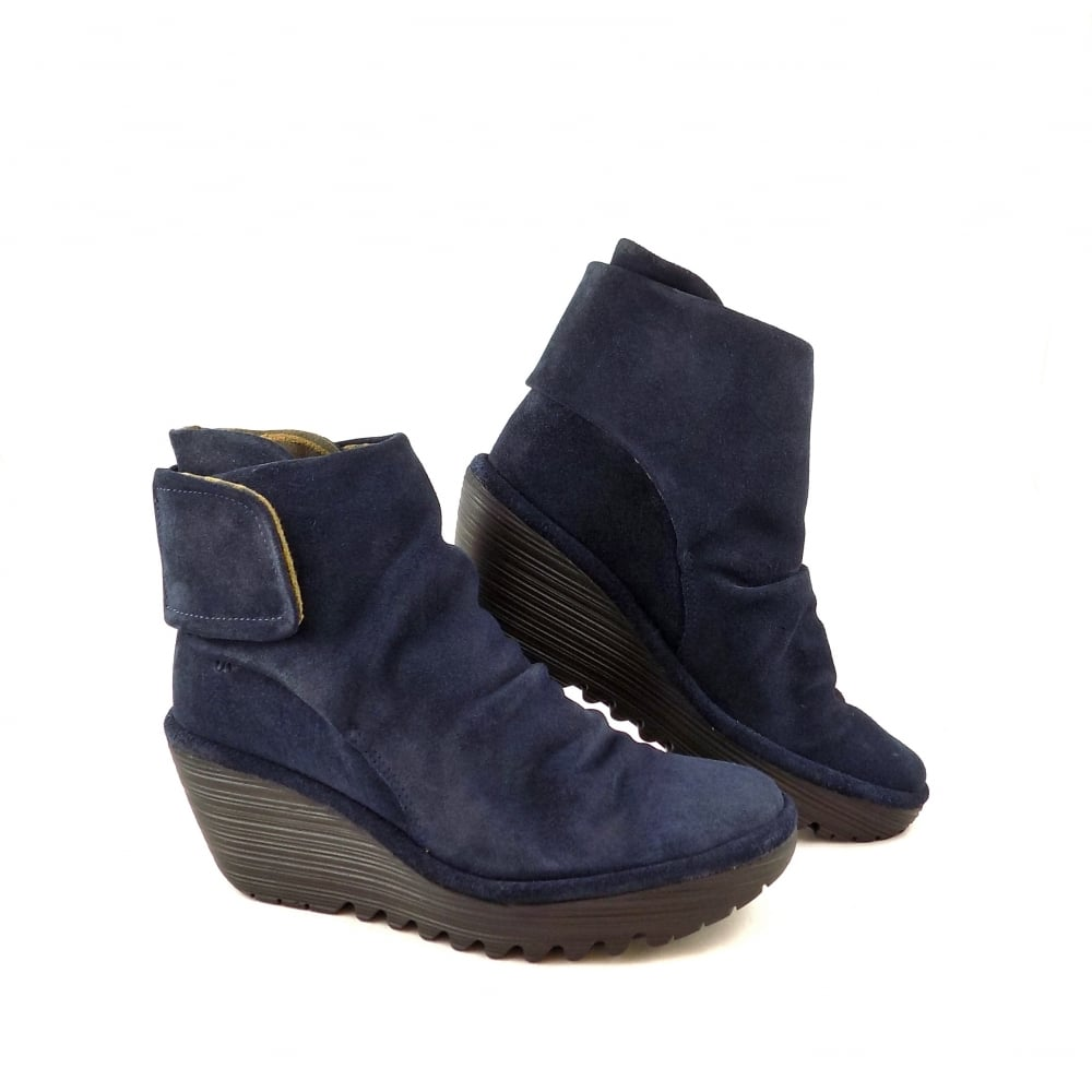 fly yegi wedge ankle boots in suede