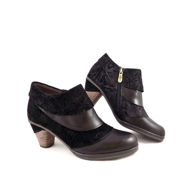 Laura Vita Alizee Booties In Black Leather And Suede