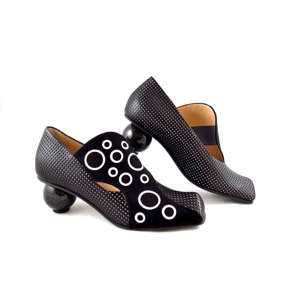 Lisa Tucci Candela Statement Shoes In Black And White