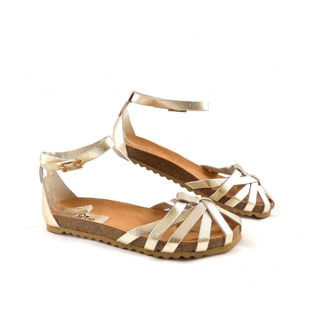 Yokono Villa 011 Closed Toe Sandals in Gold Leather